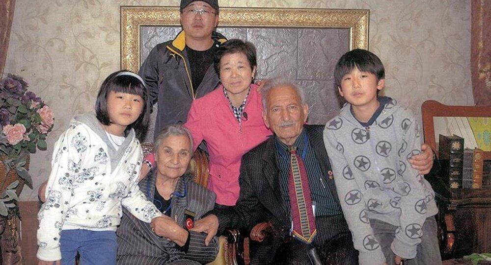 Berpisah 60 Tahun Tanpa Berita, Akhirnya Pertemuaan Semula Ayla & Suleyman Undang Sebak Ramai 8