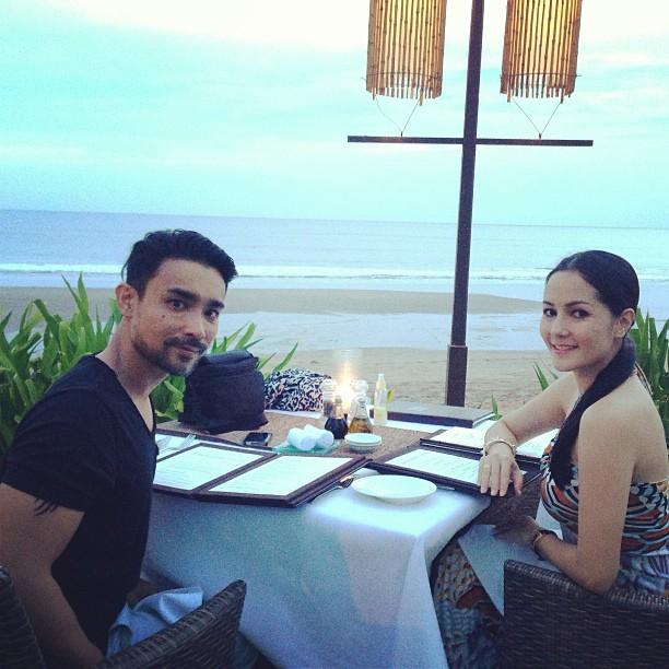Yasmin Hani & Suami 11