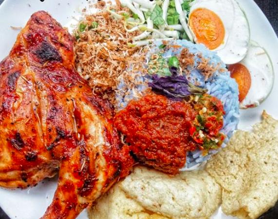 Resepi Lengkap Nasi Kerabu Kelantan Siap Dengan Lauk Sedap