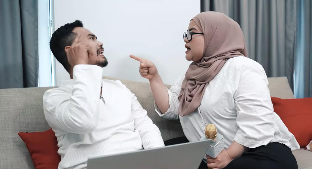 Video Gara Gara Shopping Online Pasangan Suami Isteri Ini Bergaduh